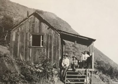 Thomas C. Evans south of Salmon Creek with Tom, brother George and wife Evelyn c. 1916